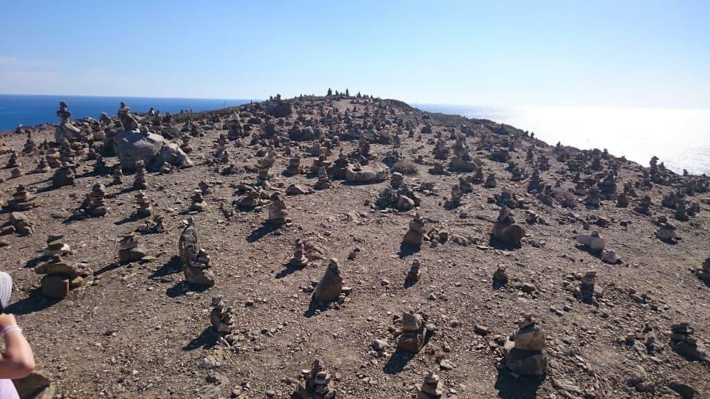 Steinhaufen auf Rhodos (Foto: Lena Noa)